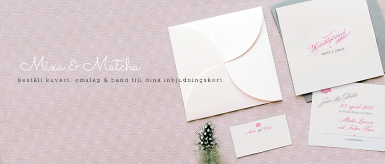 Matcha dina inbjudningskort med kuvert, omslag & band