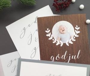 Julkort med foto och träbakgrund